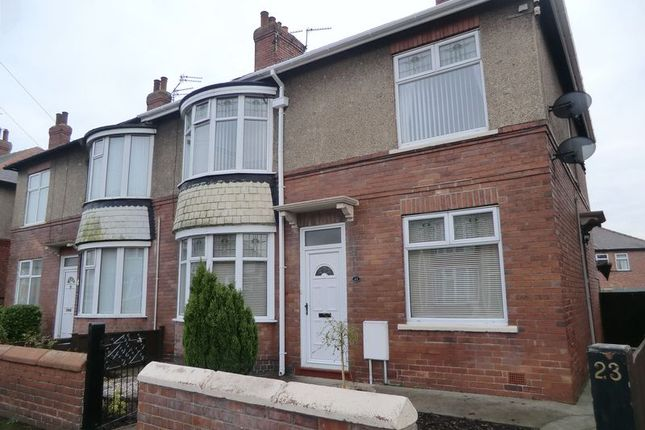 Thumbnail Flat to rent in Broadway Crescent, Blyth