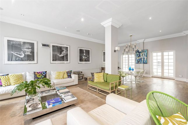 Thumbnail Flat for sale in Queen Ann's Gate, St James's Park, London