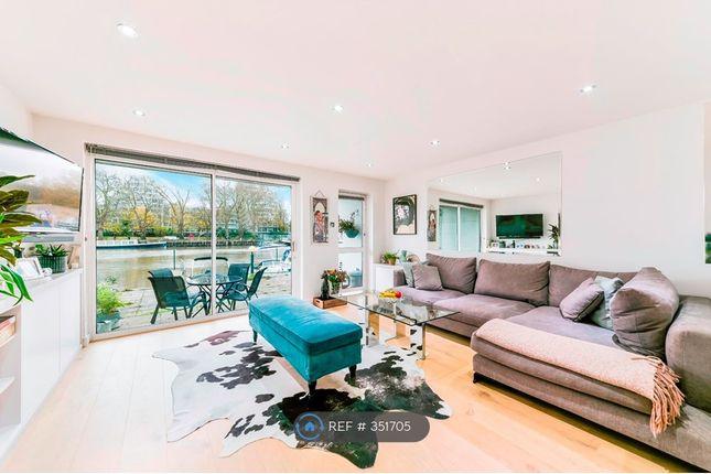 1 bed flat to rent in Salamander Quay, Lower Teddington Road, Hampton Wick, Kingston Upon Thames KT1
