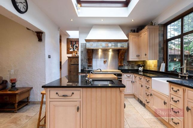 Thumbnail Property for sale in Hillfield Park, London