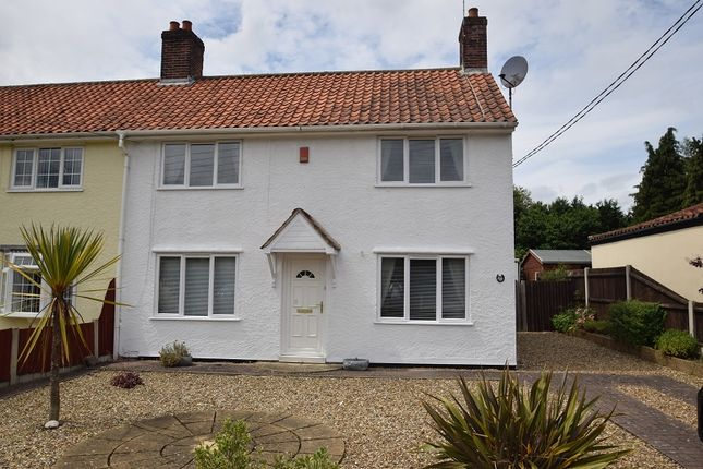 Thumbnail Semi-detached house to rent in Sandy Lane, Taverham, Norwich