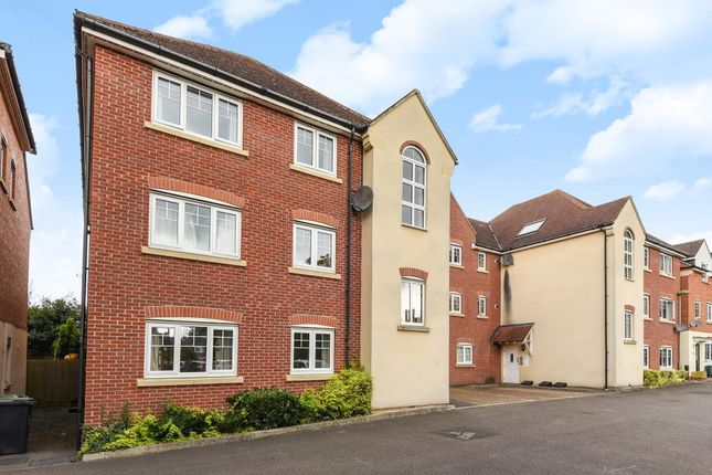 Thumbnail Flat for sale in Staniland Court, Abingdon-On-Thames