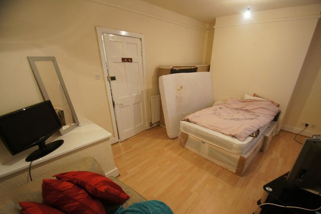 Thumbnail Shared accommodation to rent in Butts, Coventry
