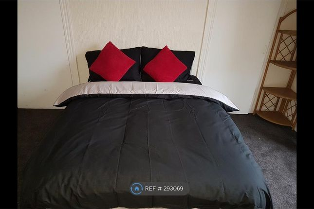 Thumbnail Flat to rent in Bank Street, Irvine
