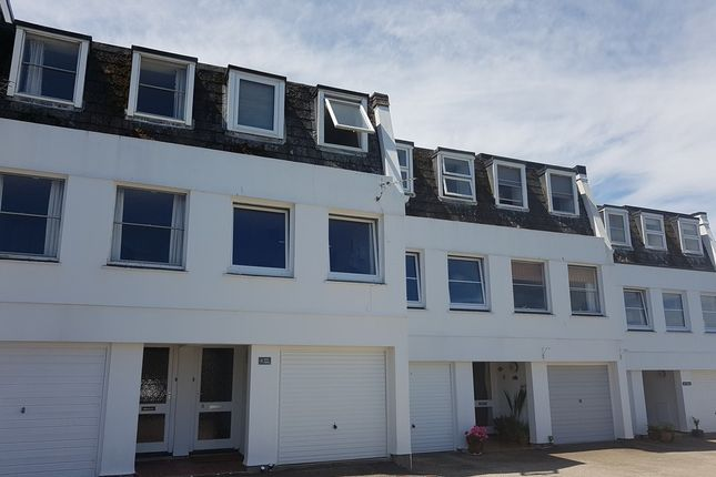 Thumbnail Terraced house to rent in Chywoone Hill, Newlyn, Penzance