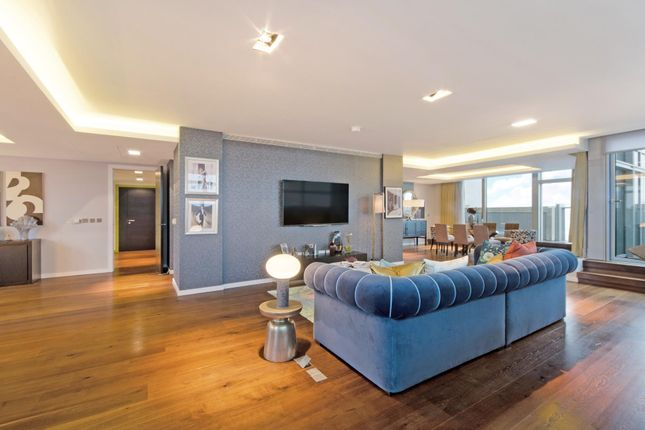 Thumbnail Flat to rent in Pan Peninsula, East Tower, Canary Wharf