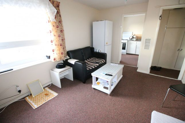 Flat for sale in Jamieson House, 4 Edgar Road, Hounslow, Middlesex