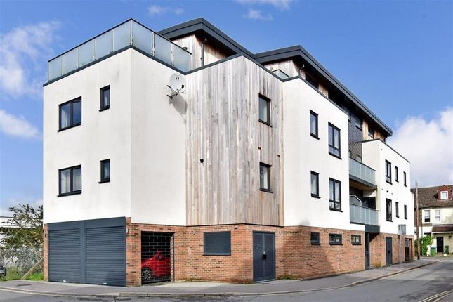 Thumbnail Flat for sale in Station Close, Horsham, West Sussex