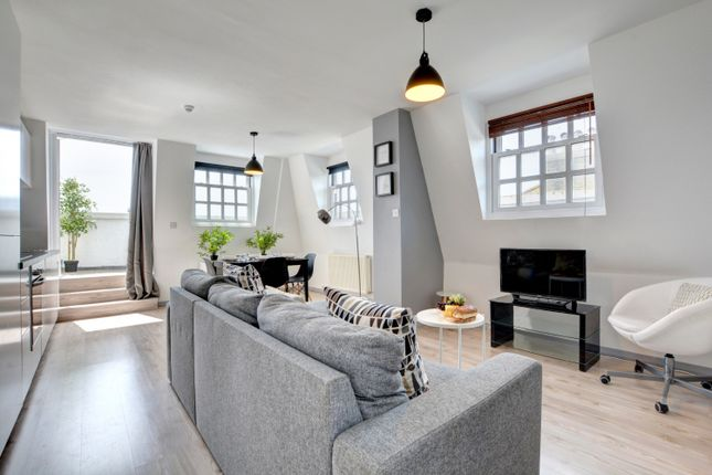 Thumbnail Flat to rent in Western Road, Brighton