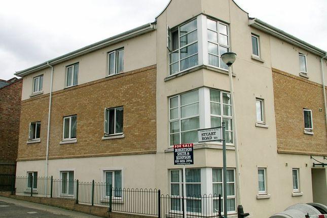 Thumbnail Flat to rent in Horn Lane, Acton, London.