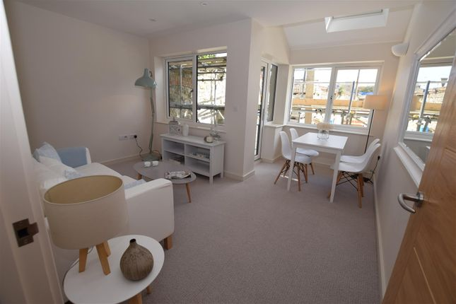 Thumbnail Property for sale in 6 Osborne Court, Victoria Road, Hythe