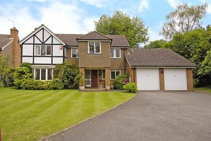 Thumbnail Detached house to rent in Redwood Drive, Sunningdale