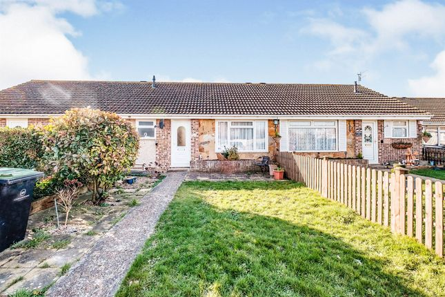 1 bed terraced bungalow for sale in Lewin Close, Lancing BN15