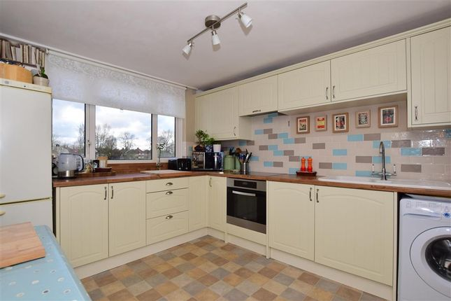 Thumbnail Flat for sale in Waddon Court Road, Croydon, Surrey