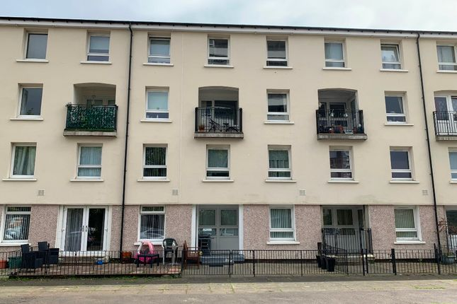 3 bed flat to rent in Invershin Drive, Wyndford, Glasgow G20