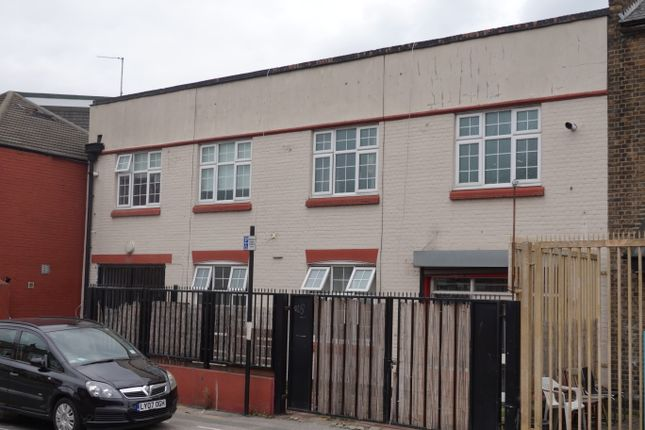 Thumbnail Block of flats for sale in Vale Road, Finsbury Park