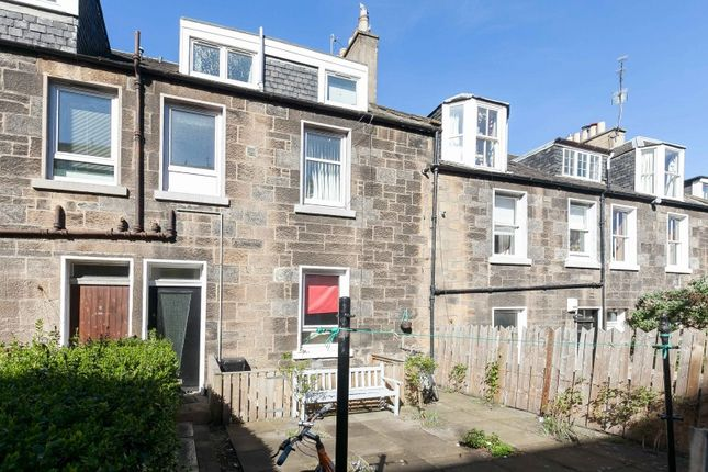 Thumbnail Flat for sale in Carlyle Place, Abbeyhill, Edinburgh