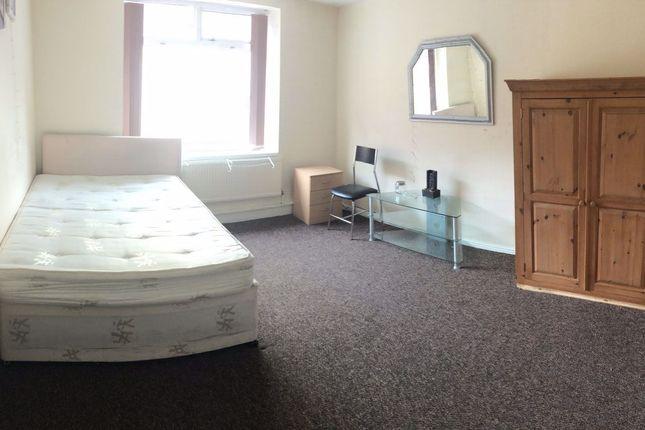 Room to rent in George Street, Wakefield WF1
