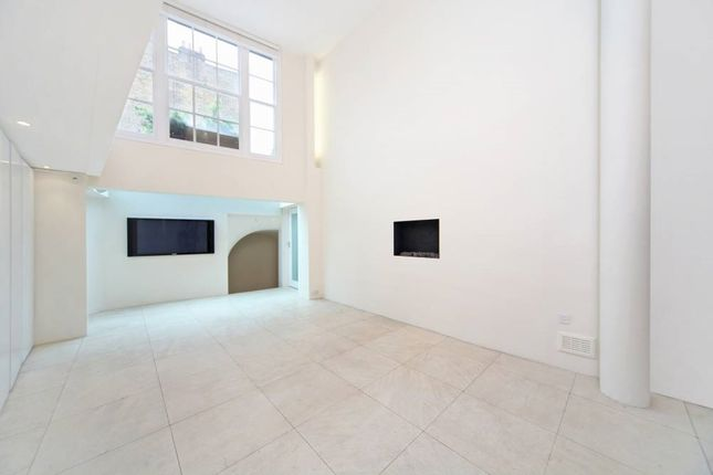 Thumbnail Flat to rent in Queensdale Road, London