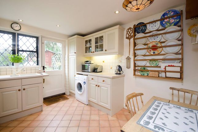 Thumbnail Cottage for sale in Ripley Road, East Clandon