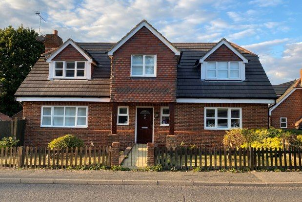 1 bed detached house to rent in Hempstead Lane, Hailsham BN27