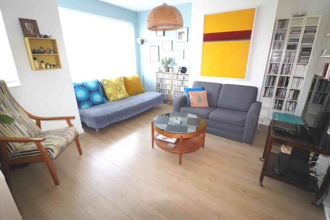 Thumbnail Property to rent in Maple Road, London