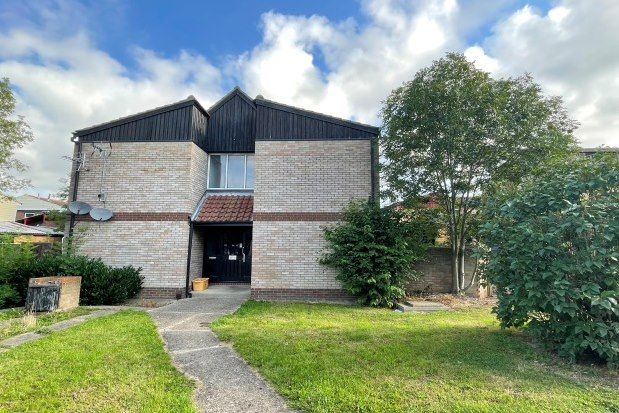 1 bed flat to rent in Oakdene Road, Basildon SS13