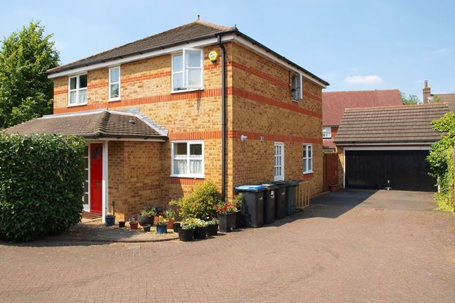 Thumbnail Property for sale in Warlow Close, Enfield