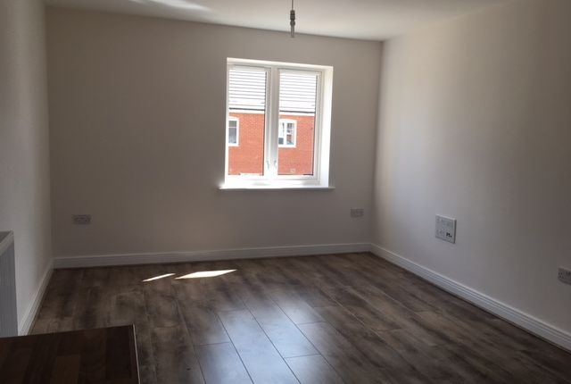 Thumbnail End terrace house to rent in Boxal Way, Langley