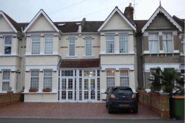 Thumbnail Property to rent in Shrewsbury Road, London