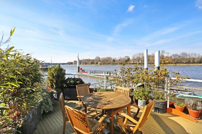Thumbnail Houseboat for sale in Riverside Quarter Moorings, Wandsworth