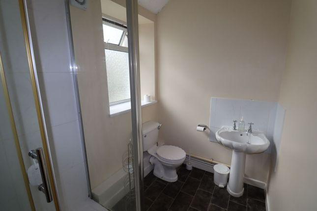 Cottage Bathroom of Picton Place, Carmarthen SA31