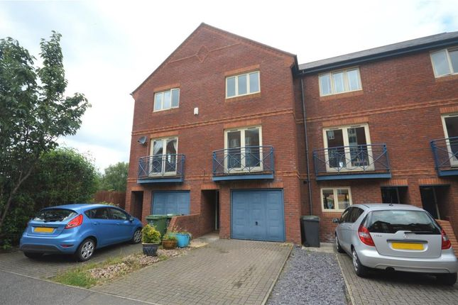 Thumbnail Terraced house to rent in Haven Road, Exeter, Devon