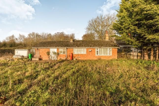Thumbnail Bungalow for sale in Coppice Farm, Hipton Hill, Lenchwick, Worcestershire