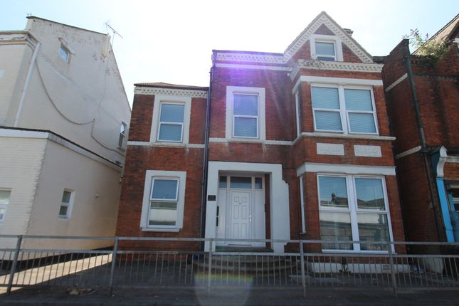 Thumbnail Flat to rent in 55 Balmoral Road, Gillingham