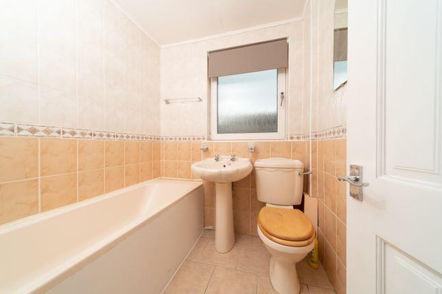 Bathroom of Bearhope Street, Greenock Inverclyde PA15