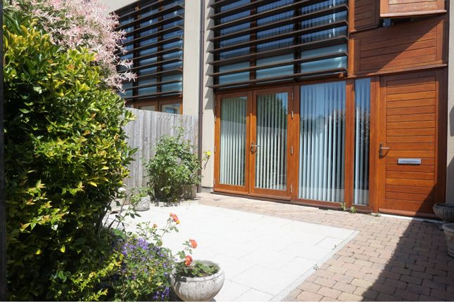 Thumbnail Terraced house to rent in Cliveden Gages, Maidenhead