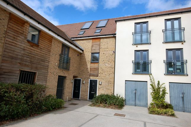 Thumbnail Property to rent in Burlton Road, Cambridge