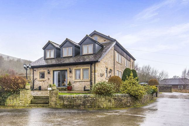 Thumbnail Semi-detached house for sale in Hobroyd, Glossop