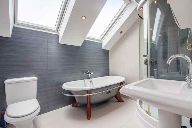 Bathroom 1 of The Hollows, Long Eaton, Nottingham NG10