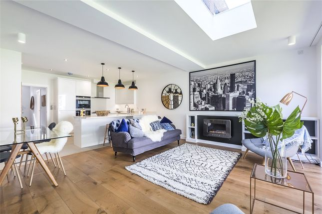 Thumbnail Terraced house for sale in 7 Hutton Mews, London