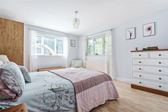 Guest Bedroom of Baunton Lane, Cirencester, Gloucestershire GL7