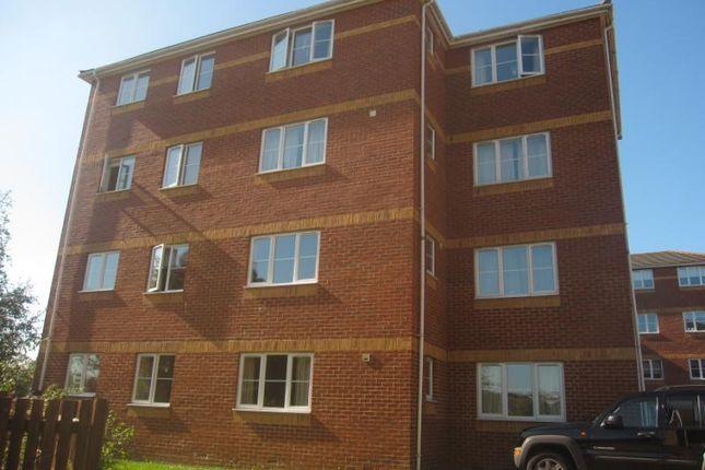 Thumbnail Flat to rent in Halimote Road, Aldershot