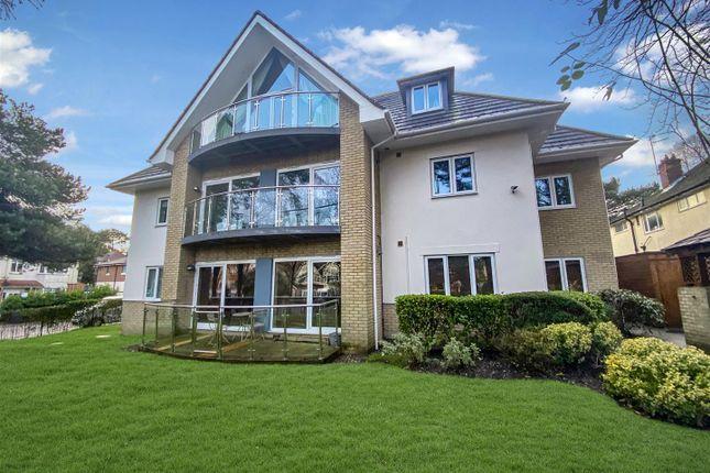Thumbnail Flat for sale in Kings Avenue, Penn Hill, Poole