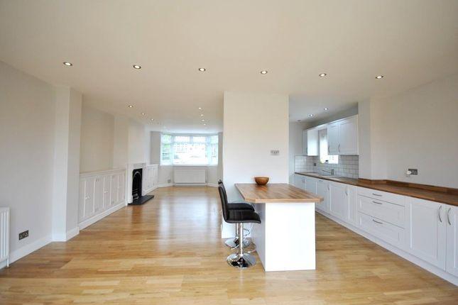 Thumbnail Semi-detached house to rent in Oakdene Road, Hemel Hempstead
