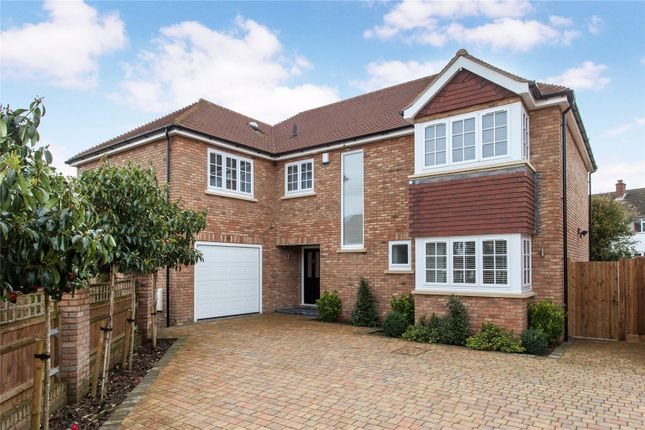Thumbnail Detached house for sale in Park View Drive South, Charvil, Nr Twyford, Berkshire