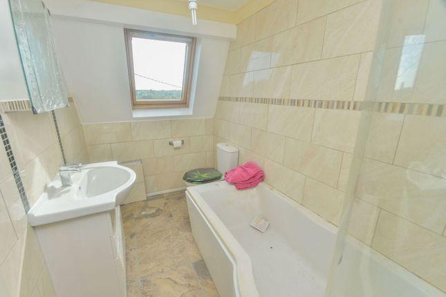 Bathroom of Front Road, Woodchurch, Ashford TN26