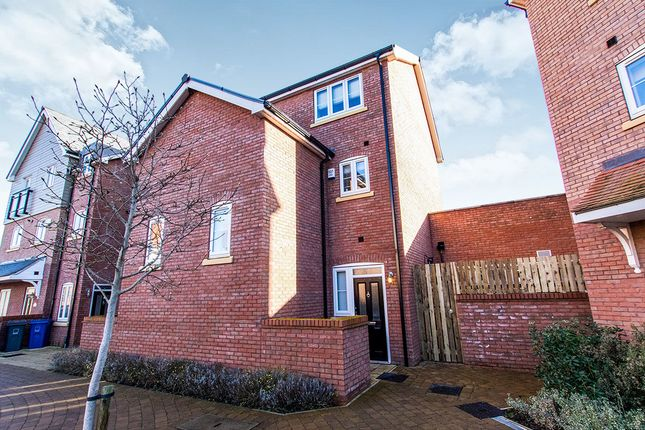Thumbnail Flat for sale in The Quays, Burton Waters, Lincoln
