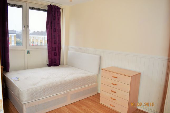 Room to rent in Ruston Street, Victoria Park, Bow