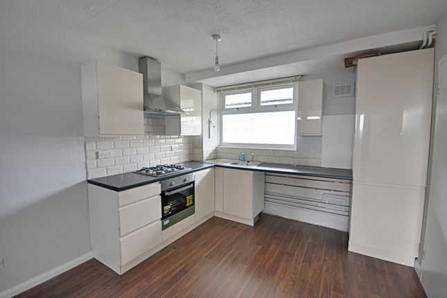 2 bed flat to rent in Ashcroft Square, King Street, Hammersmith